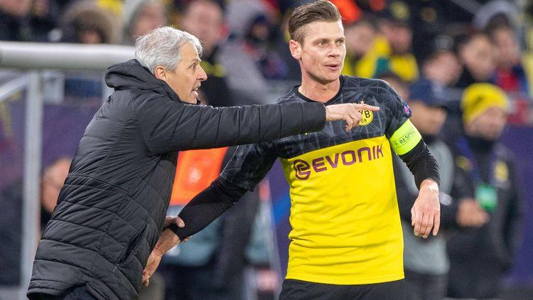 Psg Bvb Wie Borussia Dortmund Mit Leerer Tribune Umgeht