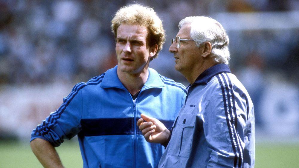 Karl-Heinz Rummenigge et Jupp Derwall.