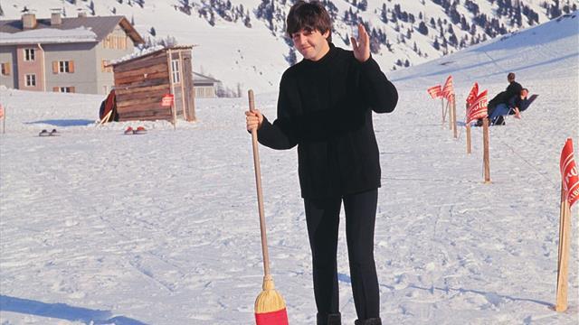James Bond, Beatles, Simpson e Griffin: il fenomeno curling, uno sport che buca lo schermo