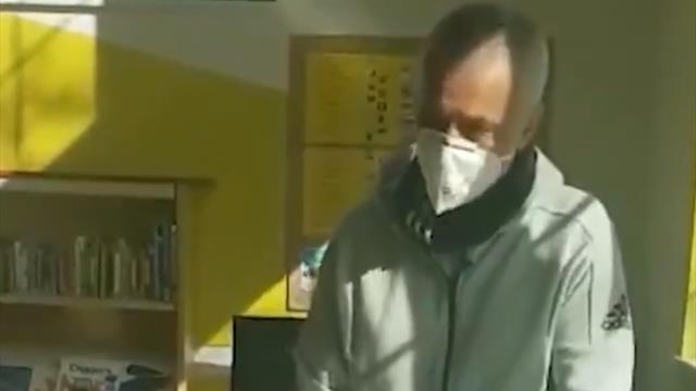 Mourinho cuore d'oro: consegna cibo agli anziani che lottano contro il Coronavirus