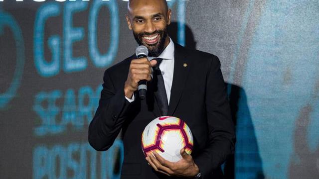 """Mitos del Sevilla animan a ganar el partido y """"reflexionar para ser mejores"""""""