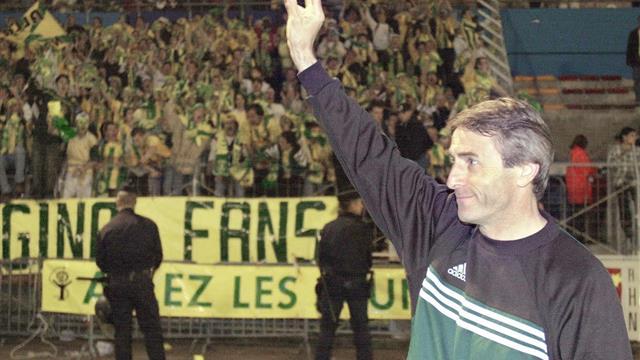Le collectif d'abord : Denoueix met sa médaille de champion de France 2001 aux enchères