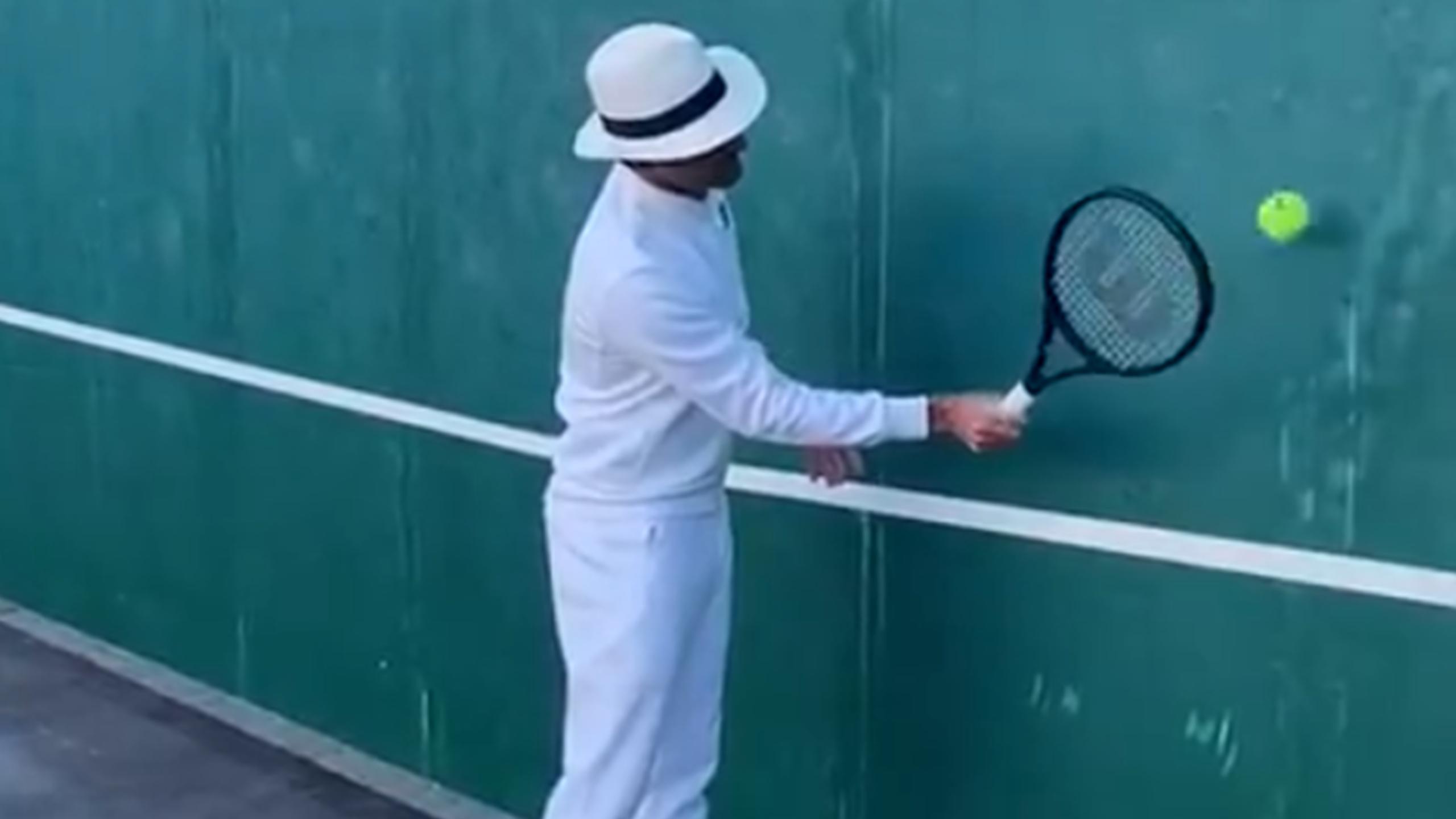 Tennis News Roger Federer Isolation Volley Challenge Goes Viral On Social Media Eurosport