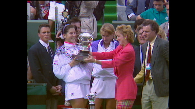 #YouSayWePlay - Seles stuns Graf to win Roland-Garros in 1992