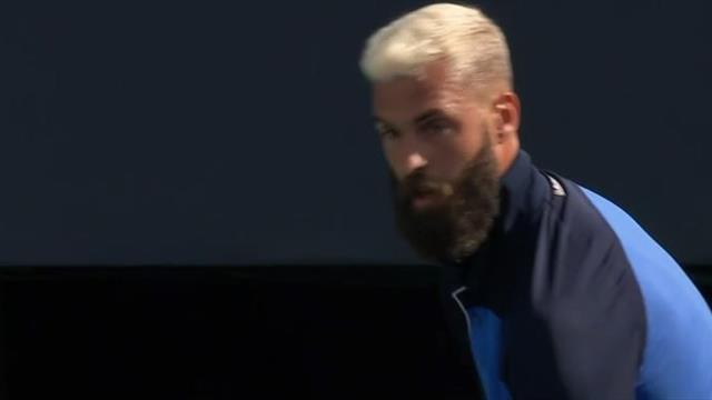 Ultimate Tennis Showdown: Paire vuelve a las andadas y la lía con el juez de silla