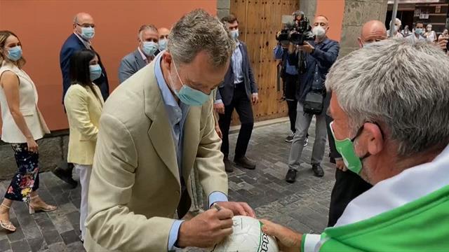 La divertida anécdota del Rey con un aficionado del Betis... en Las Palmas