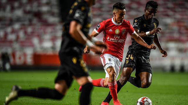 El vídeo resumen de la victoria del Benfica al Vitoria que deja al Oporto sin alirón