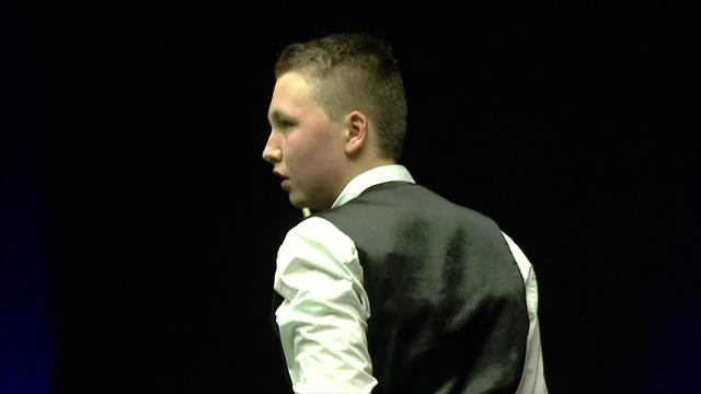 15-year-old Ben Mertens takes 3-1 lead to the interval against James Cahill