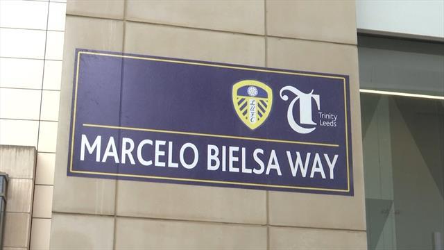 Una calle en honor a Marcelo Bielsa en el centro de Leeds que desata la locura