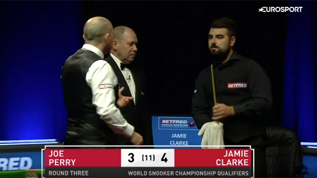 Watch the strange moment Joe Perry complains about opponent's towel in World Championship qualifier