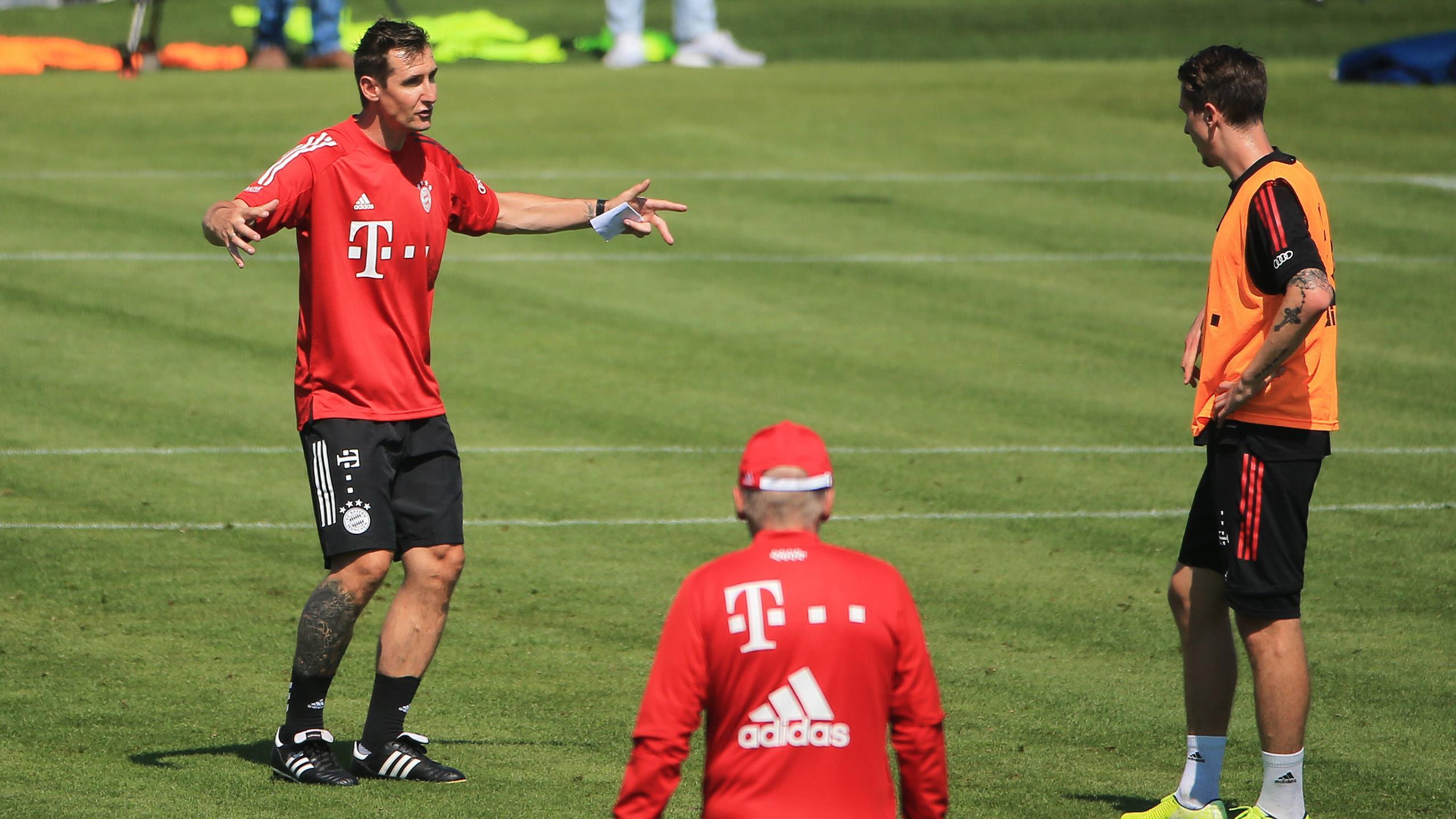 FC Bayern München: Miroslav Klose gibt Debüt als Co-Trainer im ...