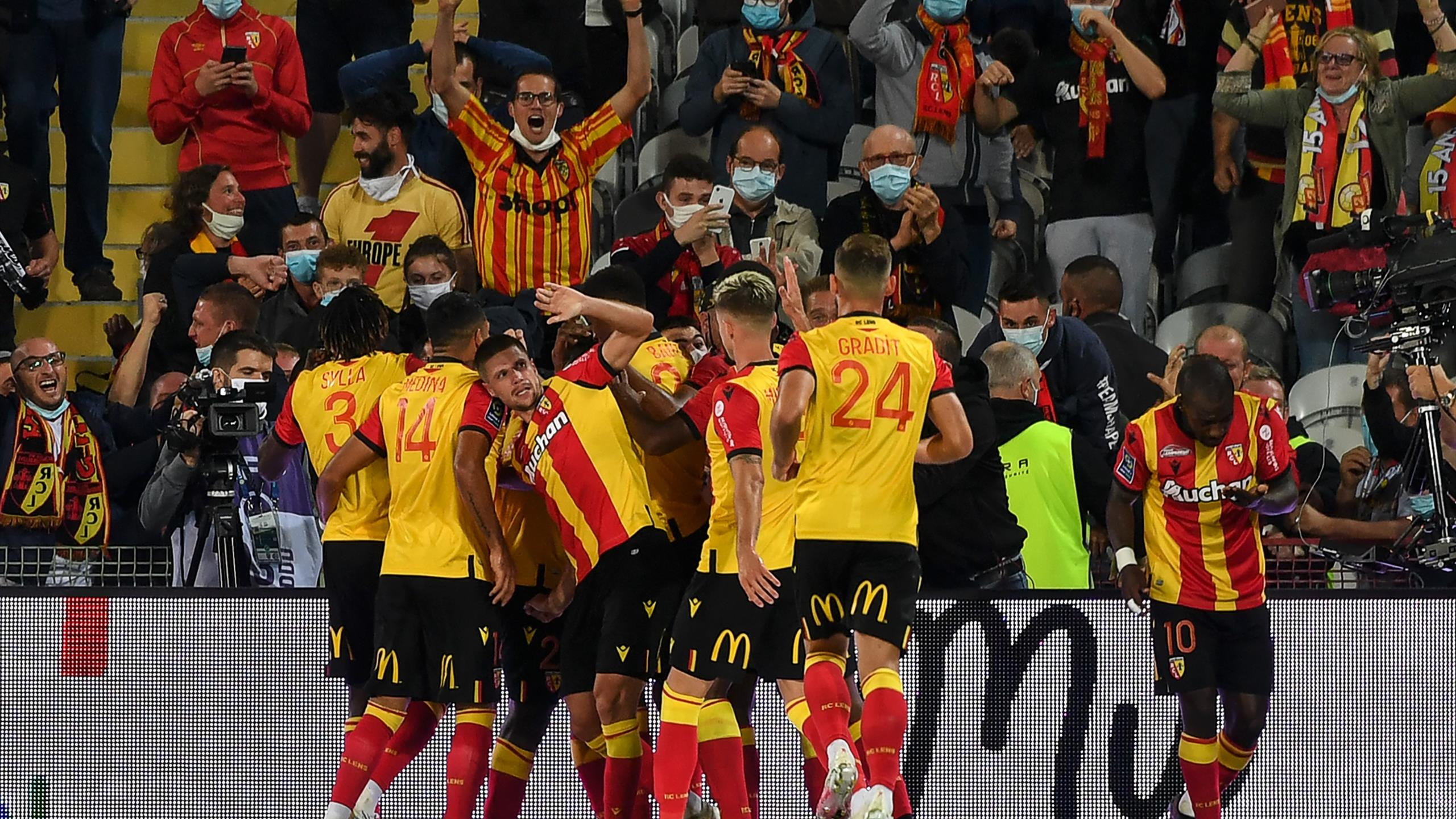 Marcin Bulka Howler Sees Champions Psg Slip To Lens Defeat In First Game Of Season Eurosport