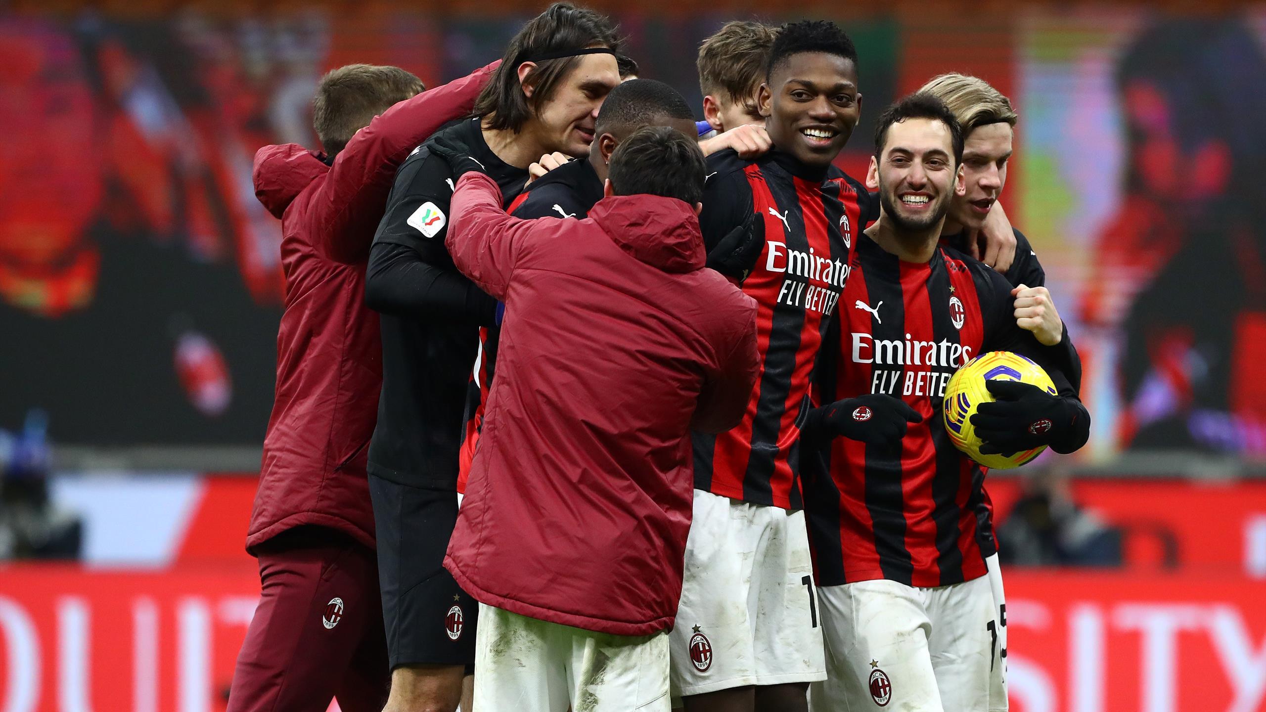 Milan-Lazio 3-2, pagelle: Theo Hernandez e Calhanoglu i migliori, brilla  anche Luis Alberto - Eurosport