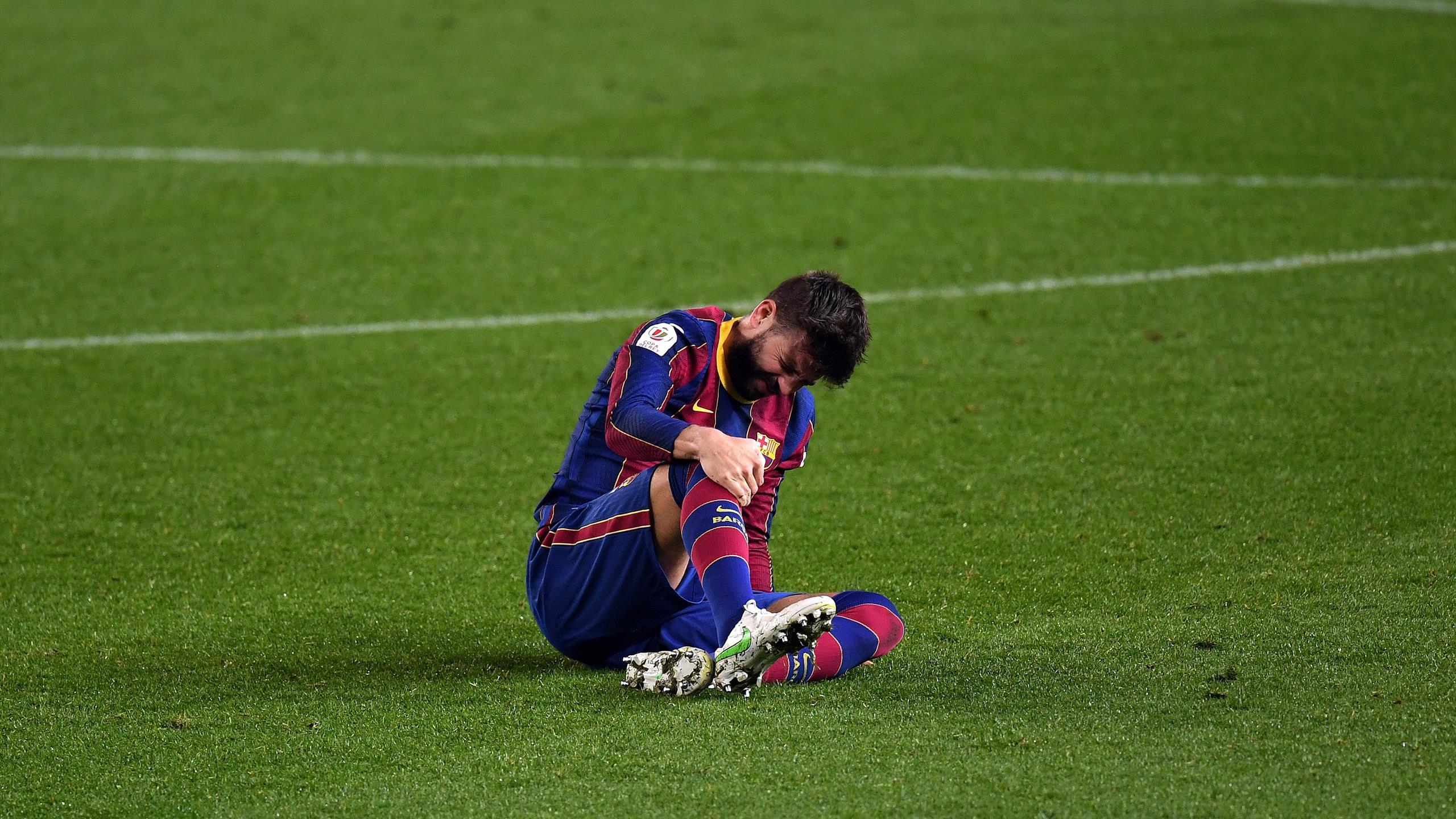 Officiel : Gerard Pique souffre d'une entorse du genou, présence plus que compromise contre le PSG - Eurosport FR