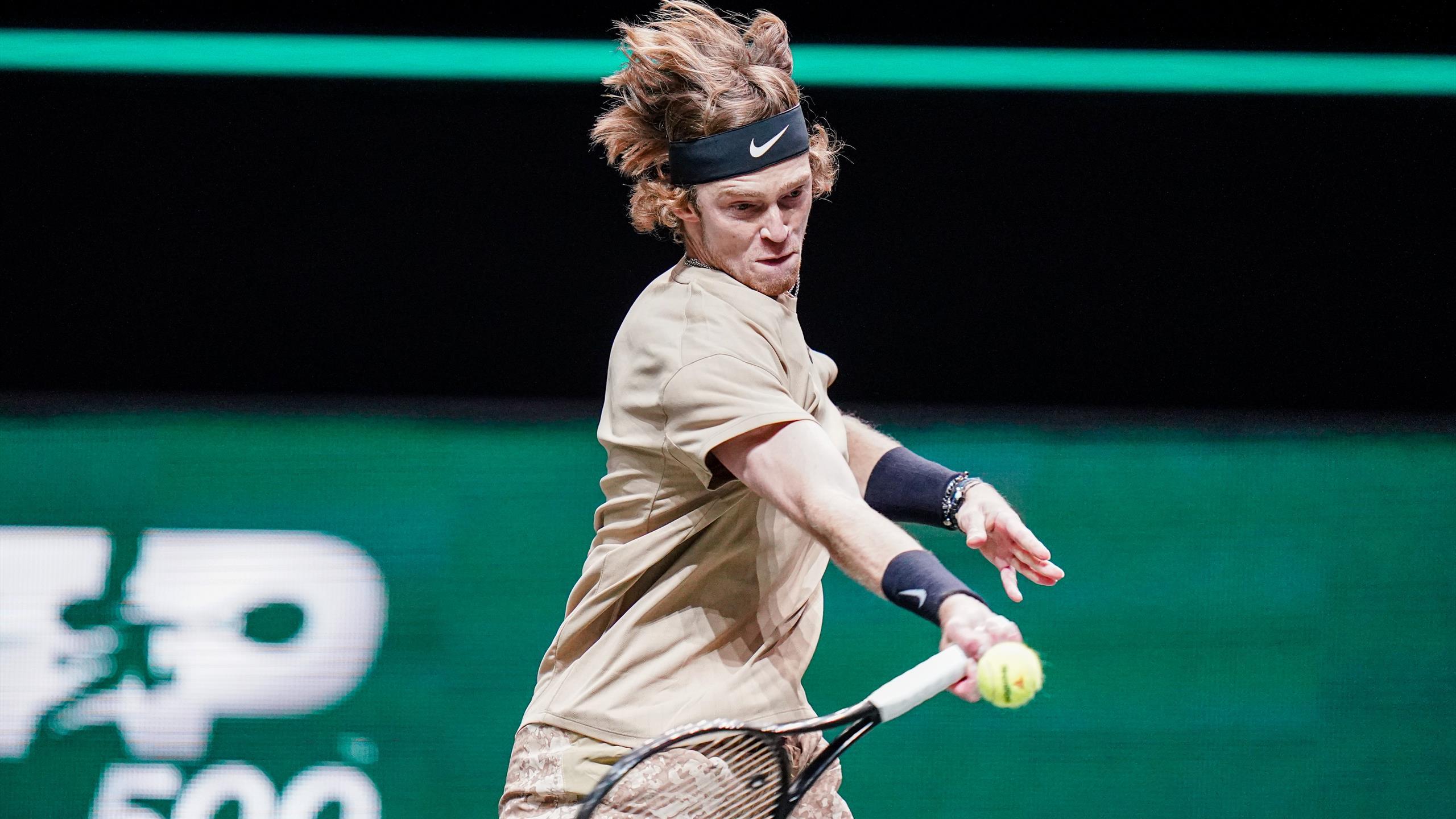 ATP Rotterdam : Andrey Rublev domine Stefanos Tsitsipas (6-3, 7-6) en demi-finale - Eurosport FR
