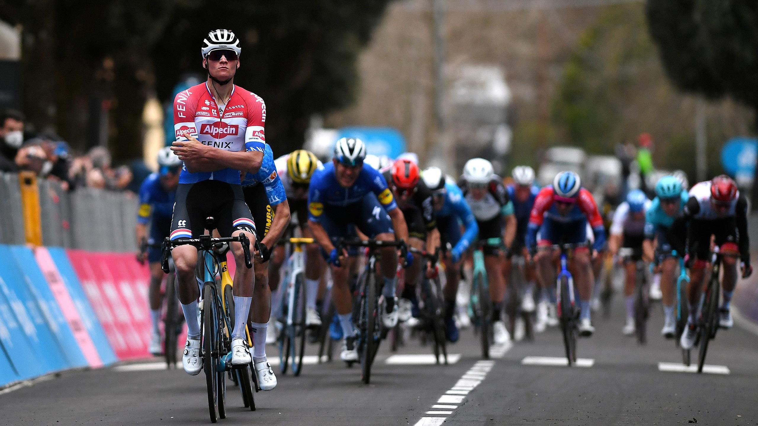 Tirreno-Adriatico - L'accélération et la célébration : Mathieu Van der Poel a fait le show - Eurosport FR