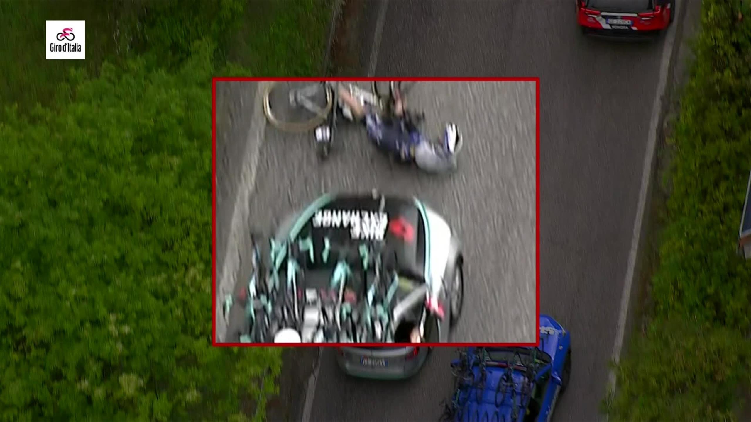Incroyable scène sur le Giro : Serry percuté par une voiture