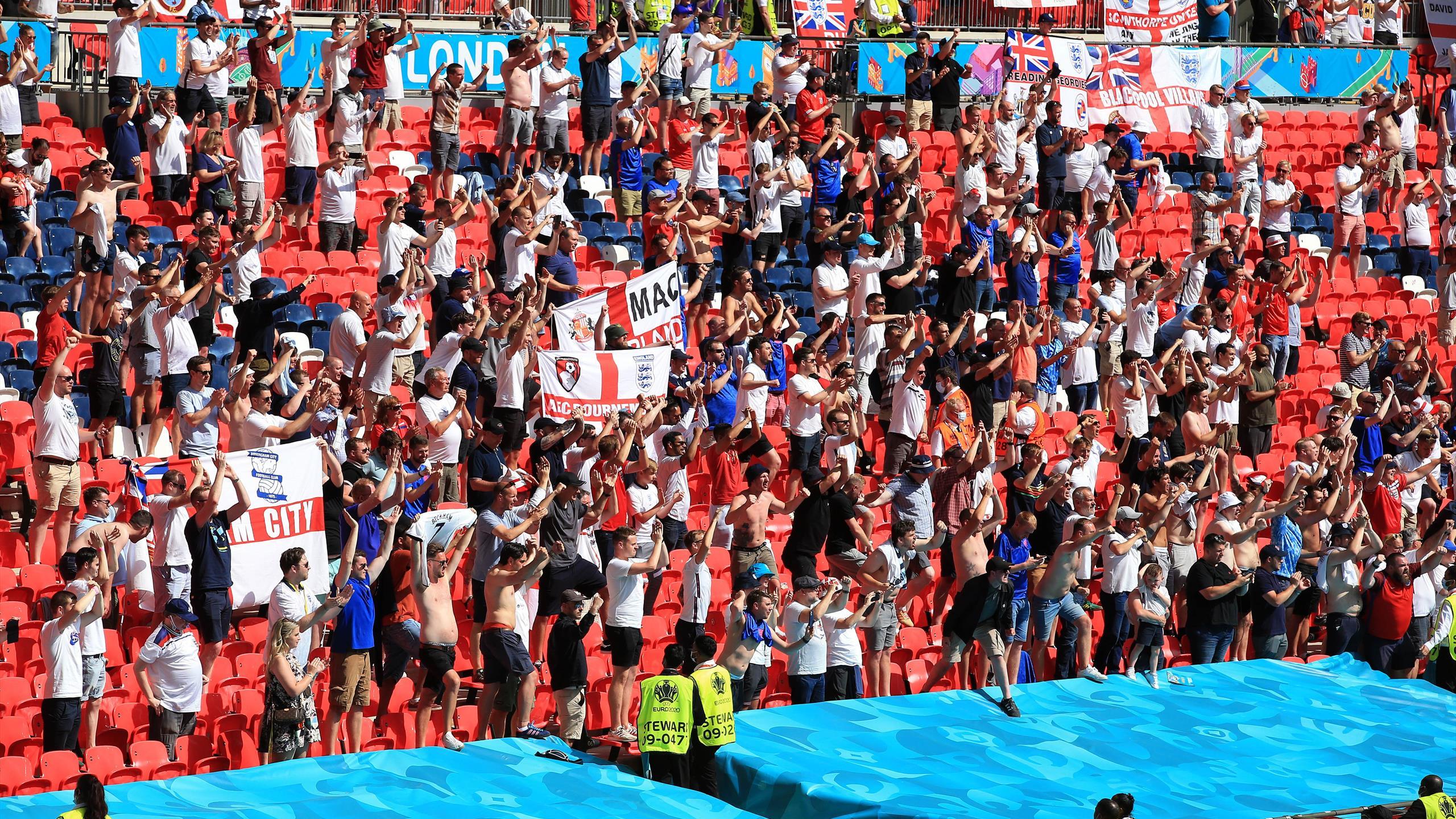 Un supporter dans un état grave après une chute à Wembley