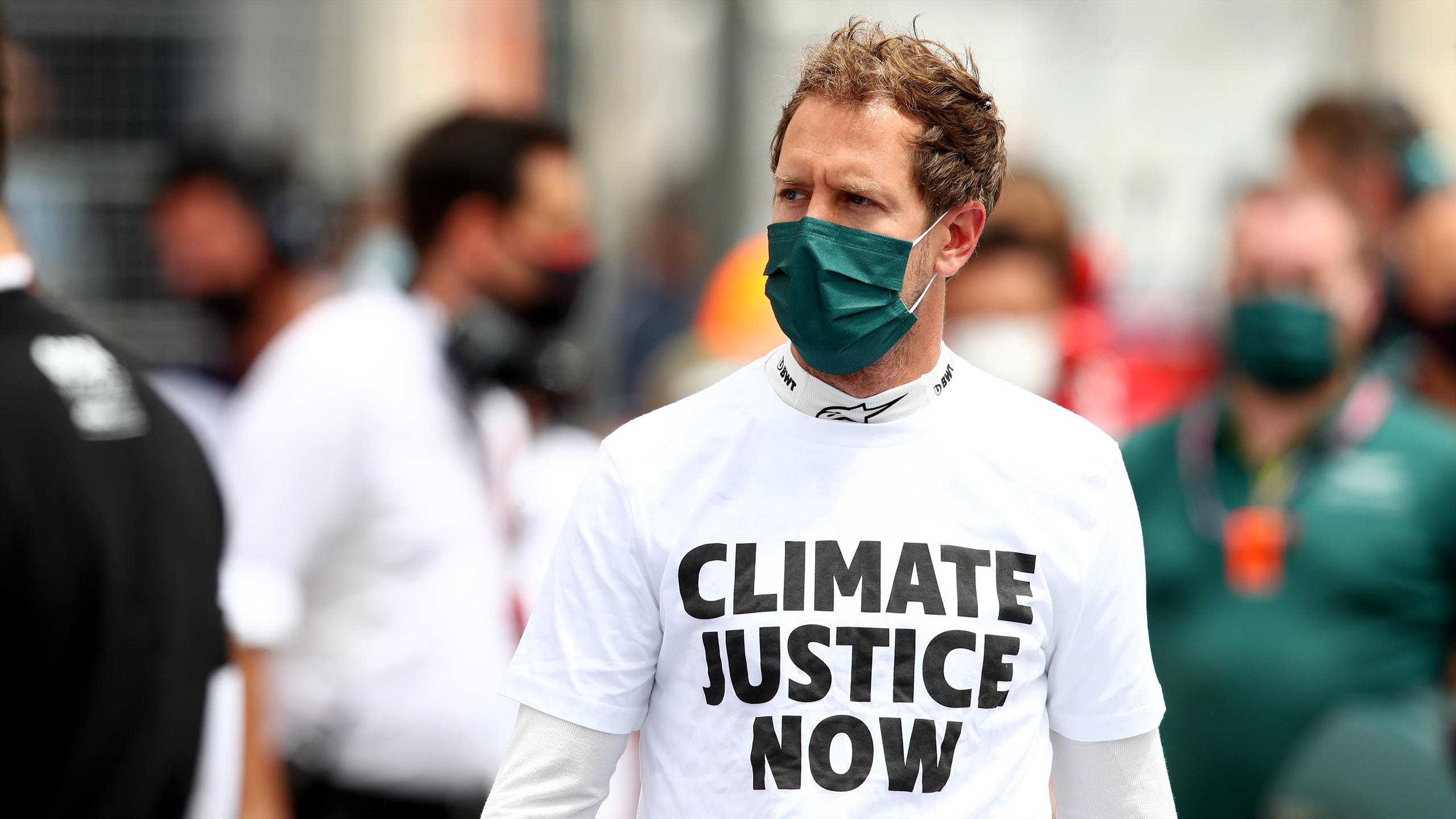 Quand Vettel nettoie les gradins de Silverstone
