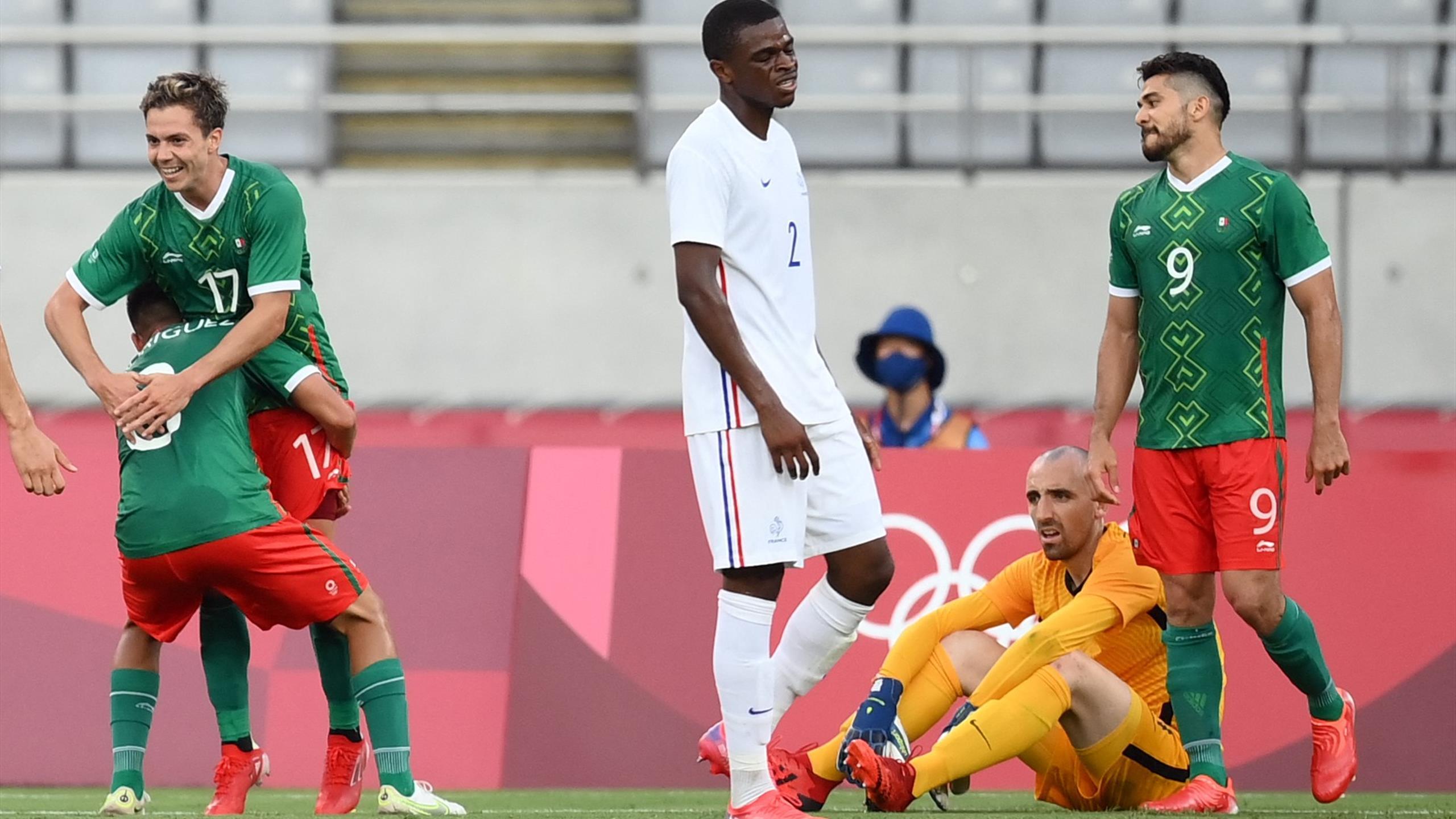 Défense aux abois, Bernardoni fusillé : le but du 2-0 pour le Mexique en vidéo
