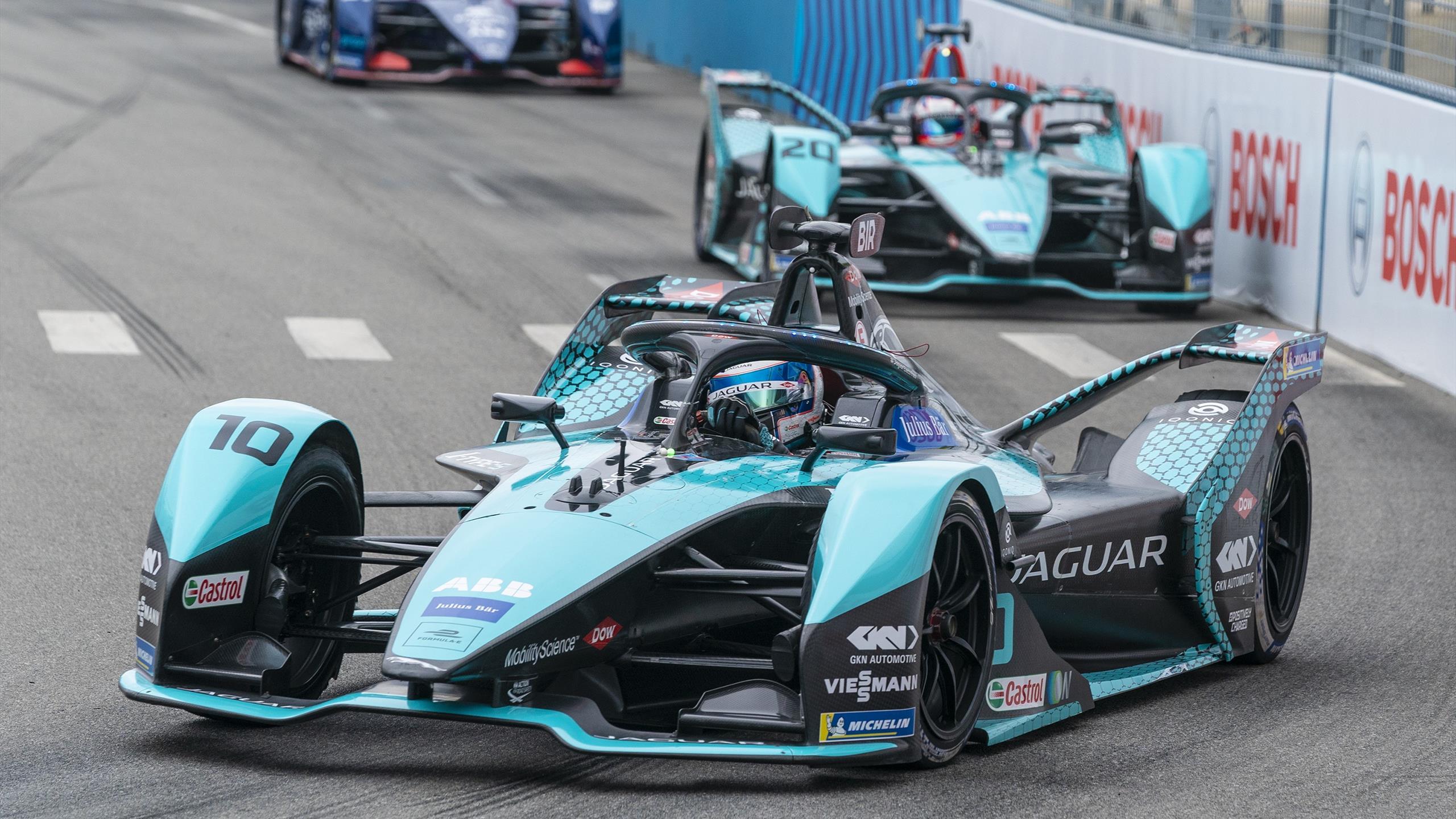 Jaguar se réengage à long terme