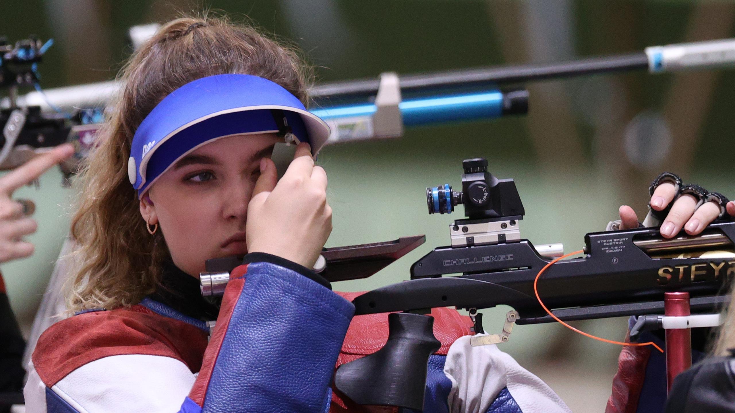 Галашина взяла серебро в стрельбе – 1-е медали разыграны