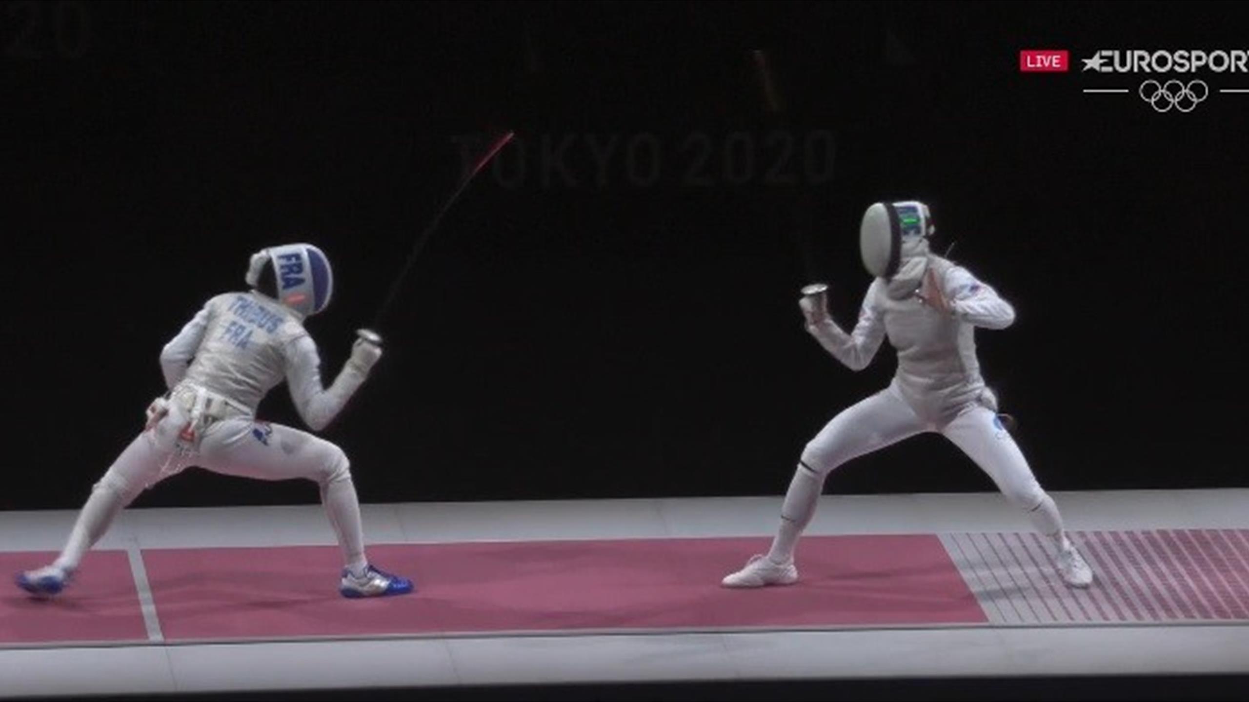 Les Bleues impuissantes face aux fleurettistes du comité olympique russe: revivez la dernière touche