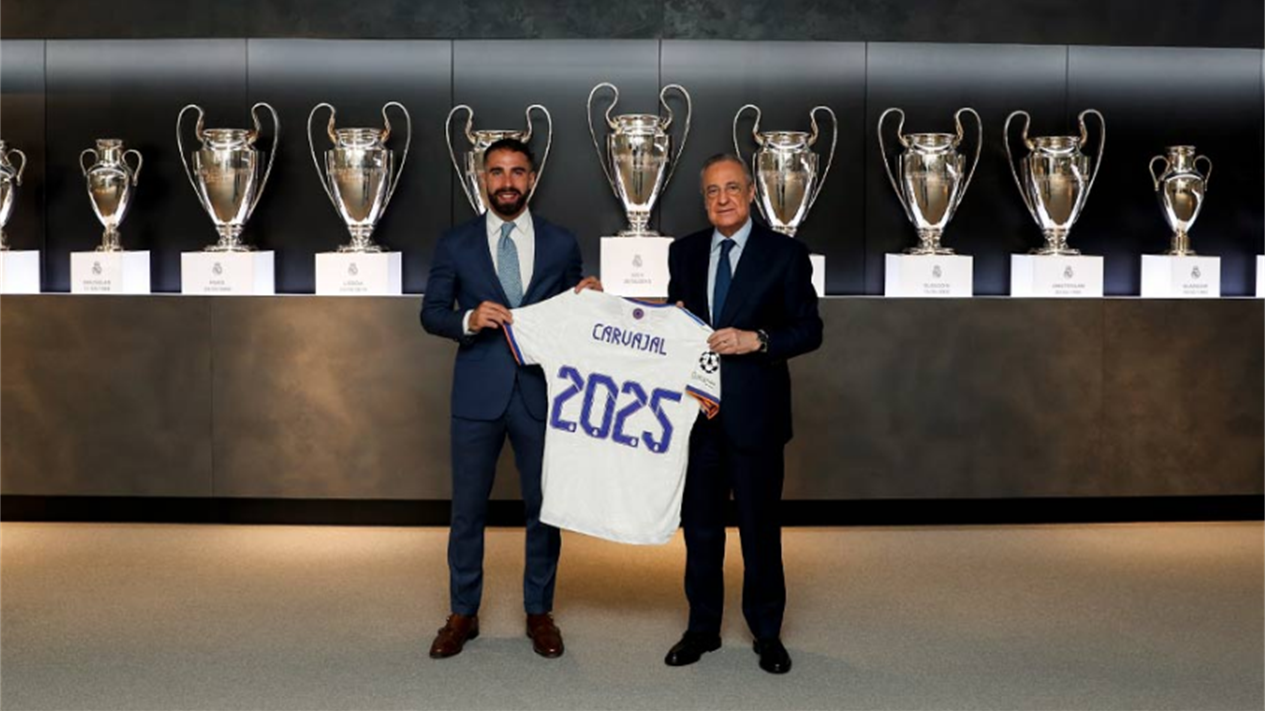 Dani Carvajal prolonge au Real Madrid jusqu'en 2025