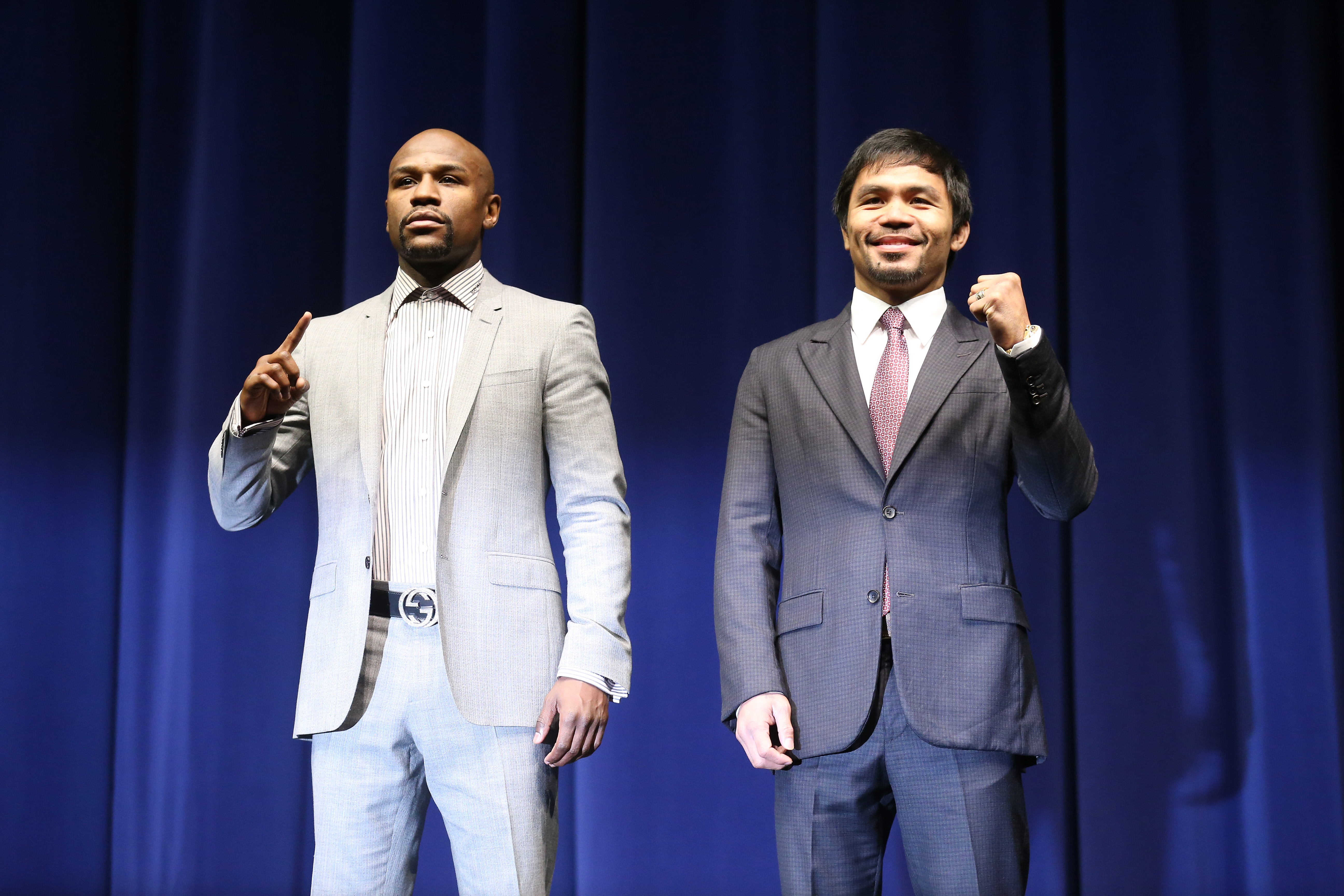 Floyd Mayweather (L) and Manny Pacquiao (AFP)