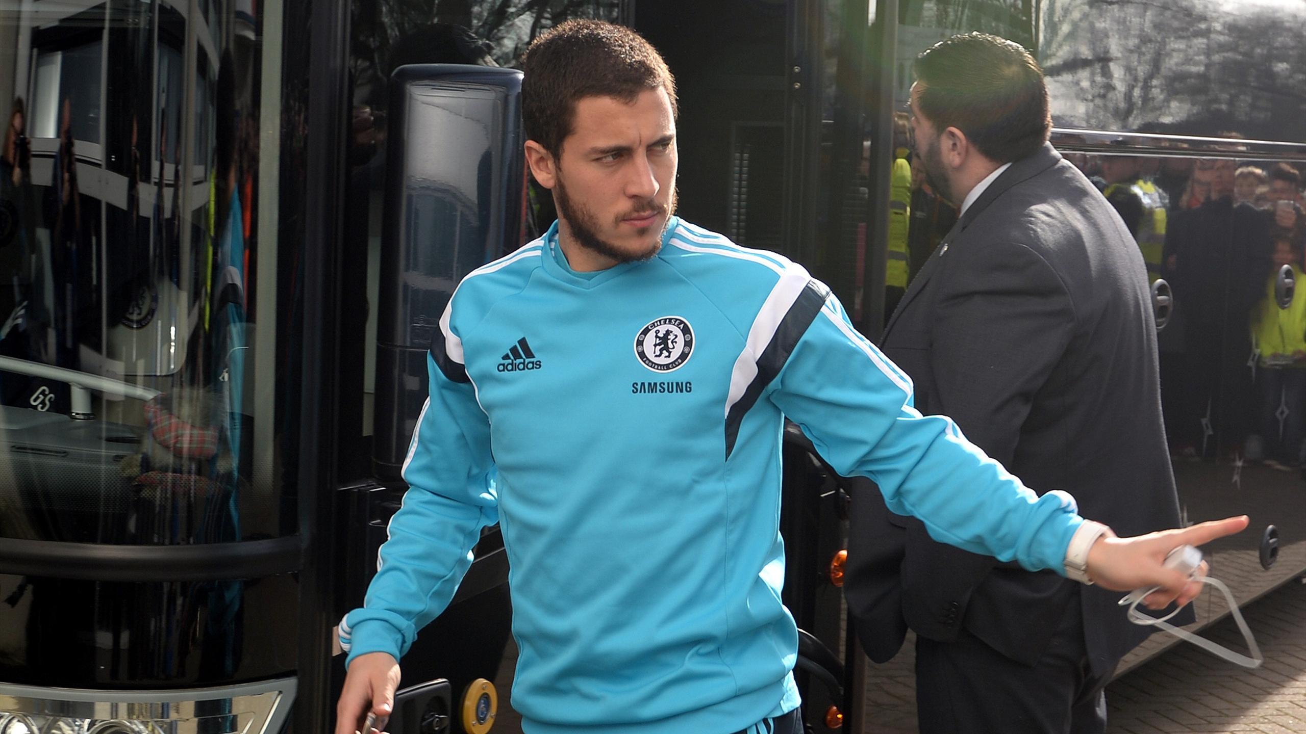 Eden Hazard gets off the bus for Chelsea