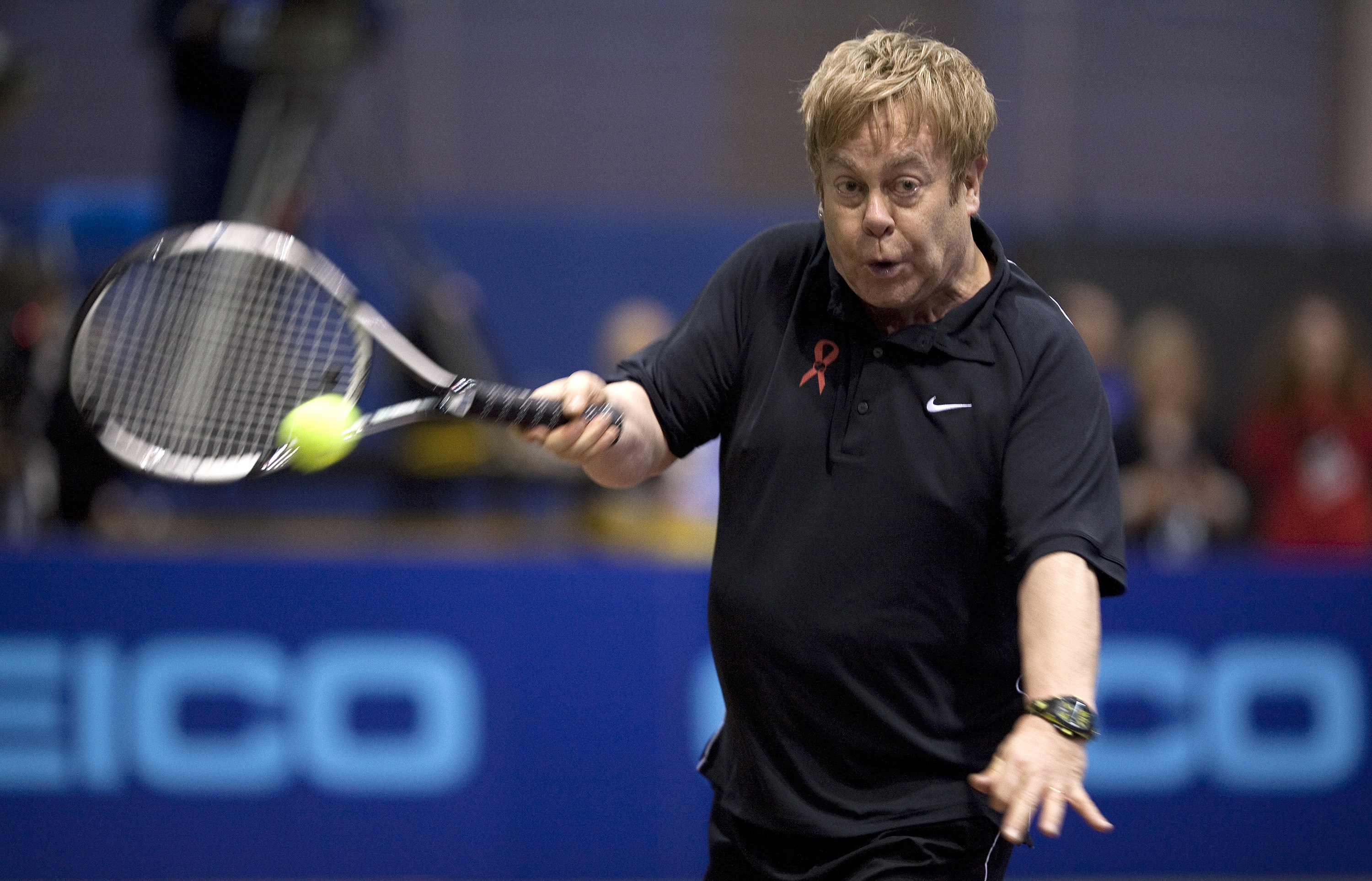 Ouch Elton John S Very Embarrassing Gaffe At Tennis Event Tennis