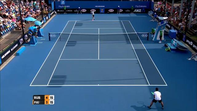 Paire était à côté de son tennis et c'est sa raquette qui a pris