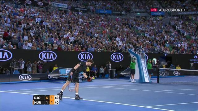 Djokovic en défense de revers, ça claque !