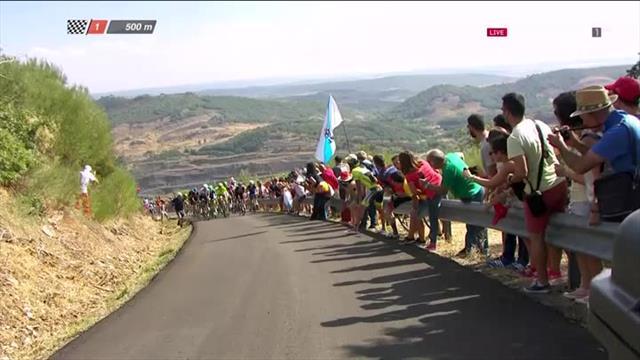 Vuelta, tappa e maglia rossa allo spagnolo David De La Cruz