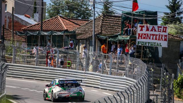 Un giro di pista con Tiago Monteiro