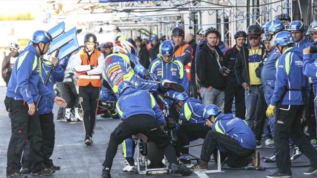 Le Team SRC Kawasaki contrôle le warm up